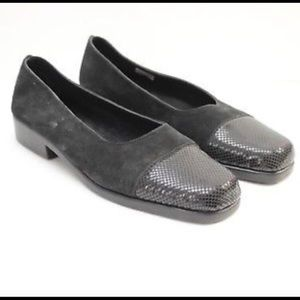Aerosoles black suede leather textured shoes